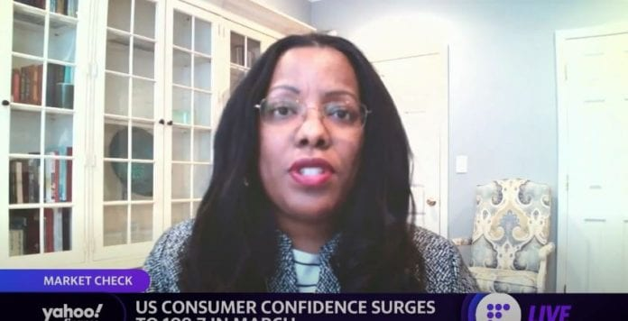 US consumer confidence hits one-year-high